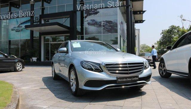 Bán Mercedes E200 xanh ngọc, nội thất nâu, ĐK 2018, like new chính hãng - LH 093429966