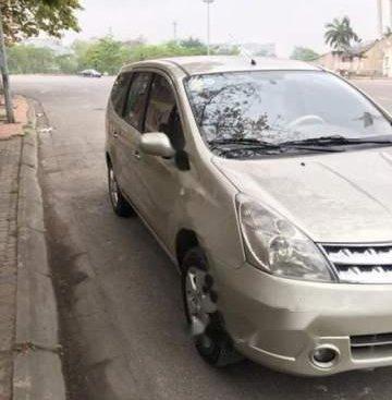 Cần bán lại xe Nissan Grand livina năm sản xuất 2012