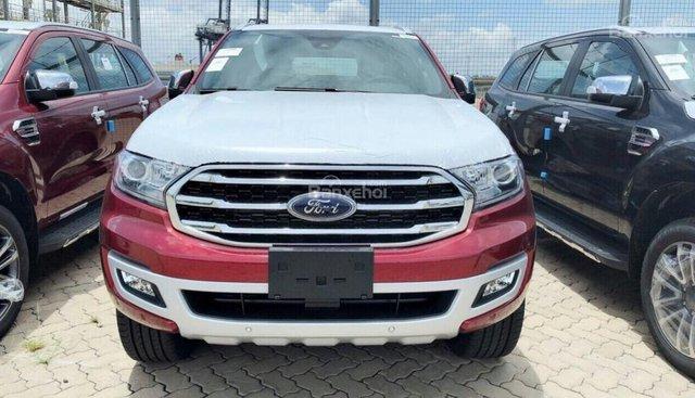 Bán ô tô Ford Everest Titanium 4x2 năm sản xuất 2018, màu đỏ nóc trắng, xe nhập