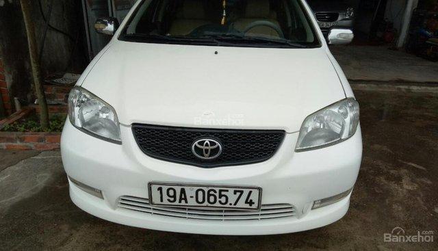 Xe Toyota Vios năm sản xuất 2005, màu trắng bán giá tốt
