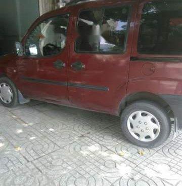 Bán ô tô Fiat Doblo sản xuất năm 2004, màu đỏ