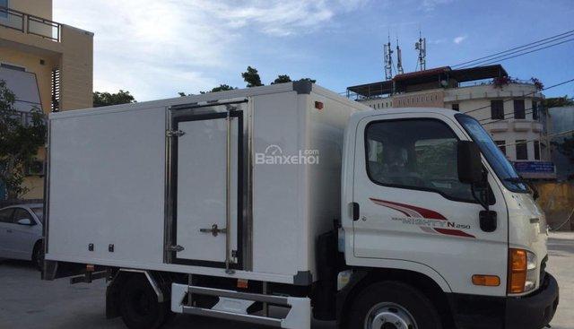 Bán xe tải Hyundai New Mighty N250, thùng kín composite, khuyến mãi 20 triệu + bảo hiểm 100%