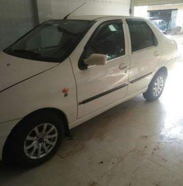 Cần bán Fiat Siena năm sản xuất 2006, màu trắng xe gia đình