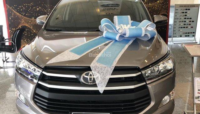 Toyota Tân Cảng hỗ trợ mua xe Innova 2019 trả góp chỉ với 220 triệu, xe đủ màu giao ngay trong ngày, LH 0901923399