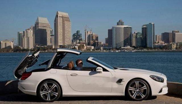 Cần bán xe Mercedes SL 400 sản xuất 2018, màu trắng