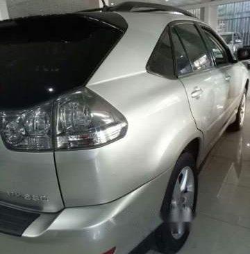 Cần bán Lexus RX năm sản xuất 2004, số tự động, nhập nguyên chiếc