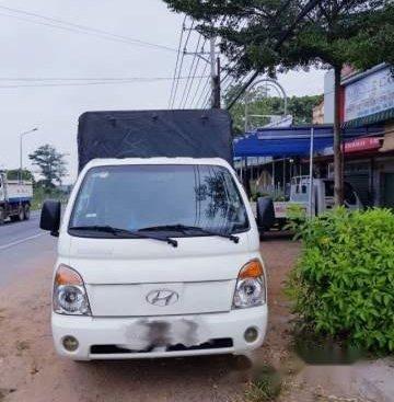 Cần bán Hyundai Porter đời 2004, màu trắng, nhập khẩu nguyên chiếc như mới