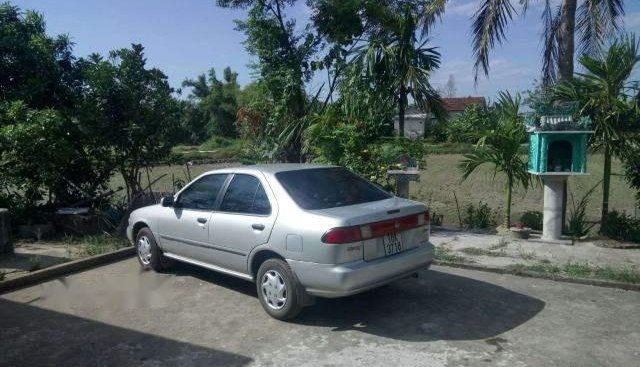 Bán Nissan Sunny đời 1996, màu bạc, nhập khẩu