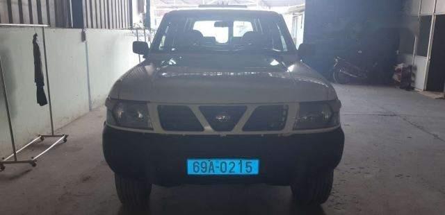 Bán Nissan Patrol năm sản xuất 2000, màu trắng, xe nhập