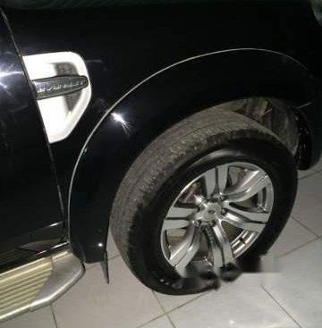 Cần bán xe Ford Everest đời 2011, màu đen, giá 520tr