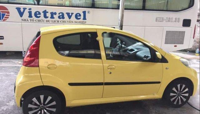 Bán Peugeot 107 năm 2011, màu vàng, nhập khẩu nguyên chiếc