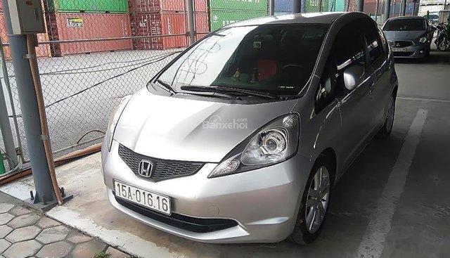 Cần bán xe Honda FIT sản xuất năm 2009, màu bạc, nhập khẩu nguyên chiếc chính chủ