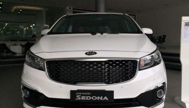 Cần bán xe Kia Sedona 2.2L DATH năm sản xuất 2018, màu trắng