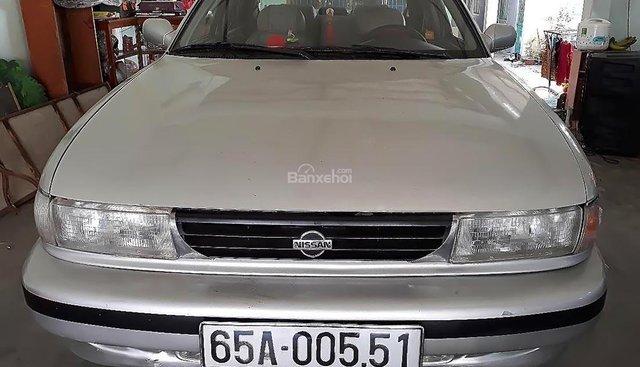 Bán ô tô Nissan Sentra 1.6 MT đời 1991, màu bạc, nhập khẩu