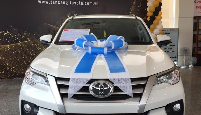 Toyota Tân Cảng bán Toyota Fortuner 2019 siêu khuyến mãi - bán trả góp lãi thấp - gọi ngay 0901923399 để có giá tốt