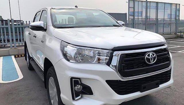 Cần bán Toyota Hilux 2.4E 4x2 AT năm sản xuất 2018, màu trắng