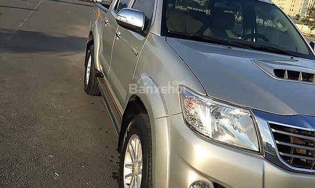 Bán Toyota Hilux 2.5E 4x2 MT 2013, màu bạc, xe nhập giá cạnh tranh