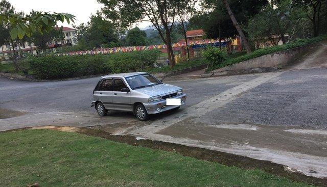 Cần bán lại xe Kia CD5 sản xuất năm 2004, màu bạc