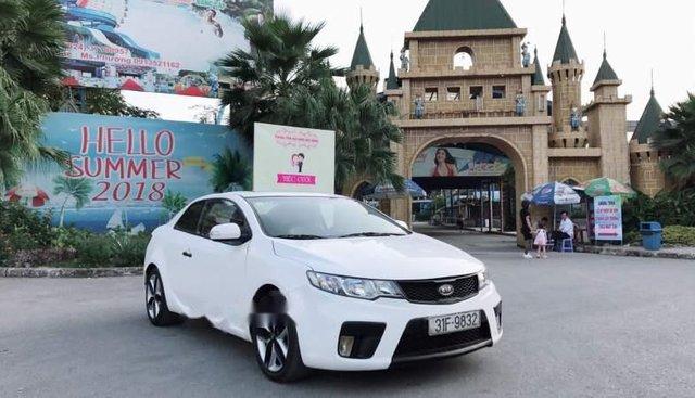 Cần bán Kia Koup sản xuất năm 2010, màu trắng, xe nhập, 415 triệu