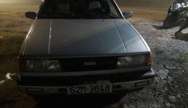Cần bán Isuzu Gemini đời 1988, màu bạc