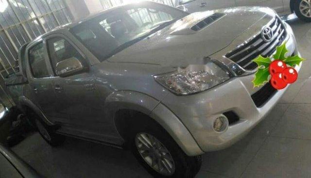 Chính chủ bán Toyota Hilux 2012, màu vàng cát