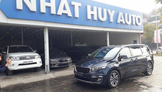 Bán xe Kia Sedona 2.2 năm sản xuất 2018, màu xanh