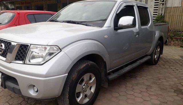 Bán ô tô Nissan Navara LE năm 2011, màu bạc số sàn, giá tốt