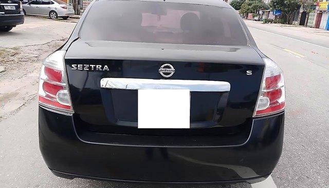 Bán Nissan Sentra 2.0 MT đời 2011, màu đen, xe nhập, số sàn, 285tr