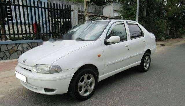 Cần bán gấp Fiat Siena MT đời 2002, màu trắng, nhập khẩu