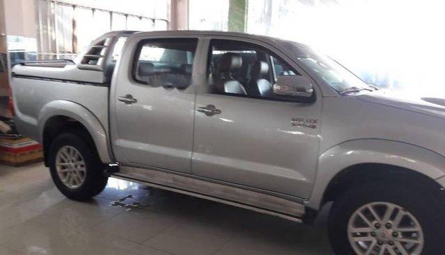 Bán Toyota Hilux đời 2012, màu bạc, nhập khẩu Thái