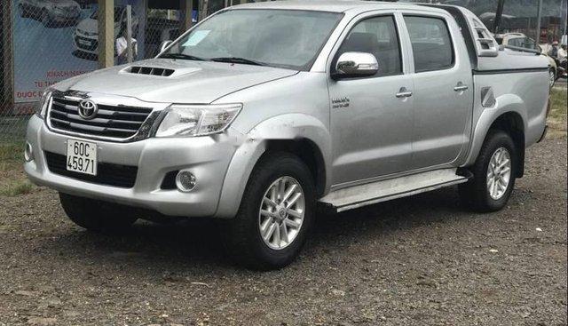 Bán xe Toyota Hilux 3.0 G đời 2012, màu bạc, 475tr