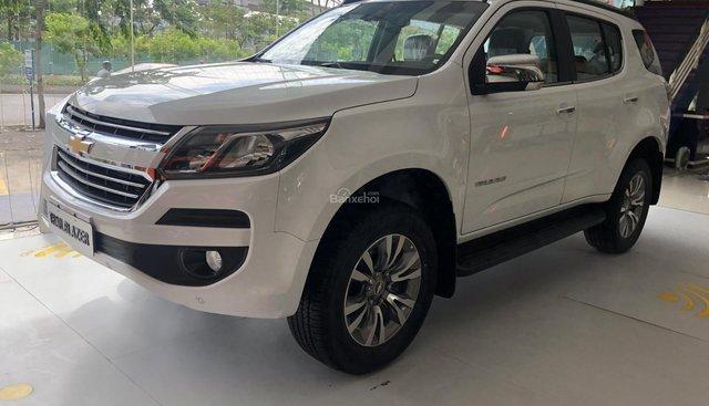 Bán xe Chevrolet Trailblazer nhập khẩu Thái Lan năm 2019, màu trắng, nhập khẩu nguyên chiếc