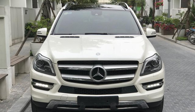 Bán xe Mercedes-Benz GL Class sản xuất 2015 màu trắng, nhập Mỹ