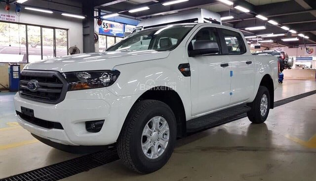 Bán Ford Ranger XLS 2.2MT phiên bản 2019, màu trắng, nhập khẩu, giá tốt nhất, hỗ trợ trả góp - LH: 0907782222
