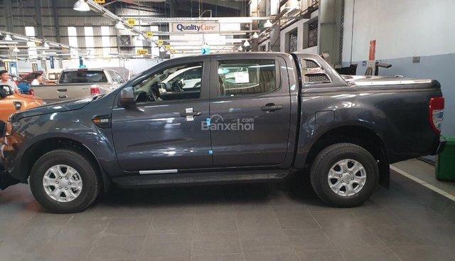 Bán Ford Ranger XLS 2.2MT phiên bản 2019, màu ghi xám, nhập khẩu, giá tốt nhất, hỗ trợ trả góp - LH: 0907782222