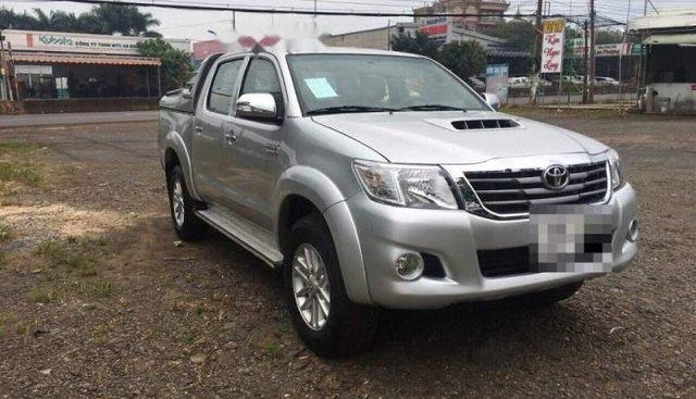Cần bán lại xe Toyota Hilux năm sản xuất 2012, màu bạc, nhập khẩu, 473 triệu