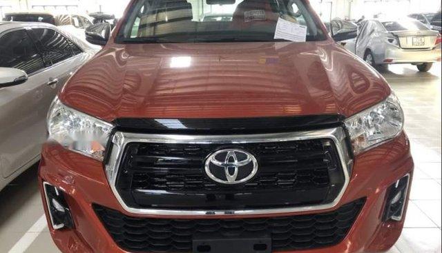 Bán Toyota Hilux 2.4 4x2 AT 2018, nhập khẩu Thái, xe giao ngay trong tháng 1/2019