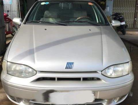 Cần bán lại xe Fiat Siena năm sản xuất 2002, màu bạc giá cạnh tranh