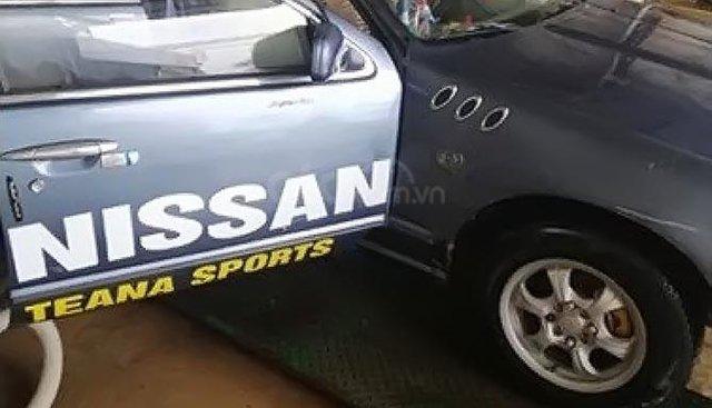 Bán Nissan Cefiro 2.0 MT sản xuất 1992, màu xám, xe nhập