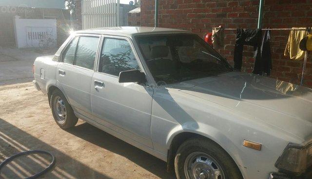 Xe cũ Toyota Carina sản xuất 1990, màu trắng, xe nhập