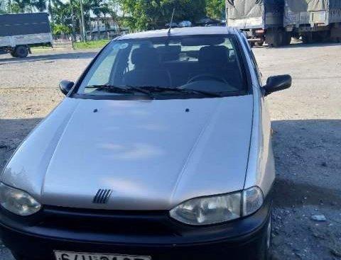 Bán xe Fiat Siena sản xuất 2001, giá chỉ 72 triệu