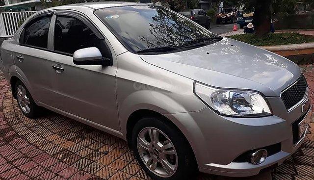 Chính chủ bán Chevrolet Aveo đời 2015, màu bạc