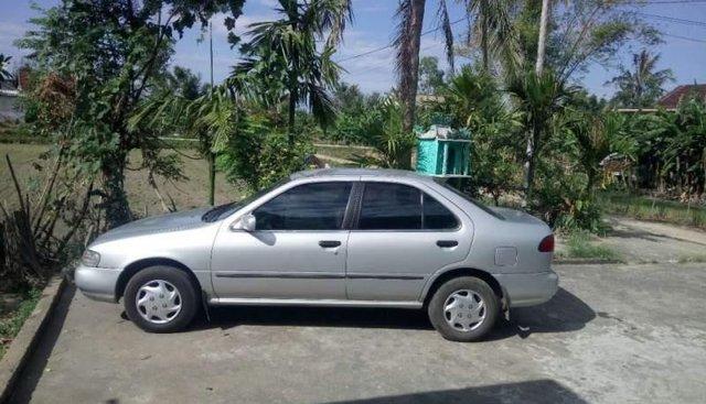 Bán Nissan Sunny năm sản xuất 1996, màu bạc, xe nhập