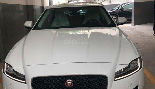 093 22222 53 - Bán giá xe Jaguar XF Prestige sản xuất 2018 - 2019 màu trắng, màu đỏ, đen giao xe ngay