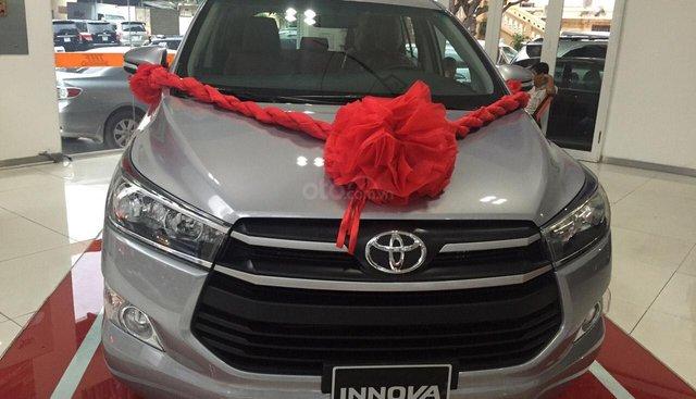 Toyota Innova 2.0G AT năm 2019, màu bạc, số tự động giao ngay
