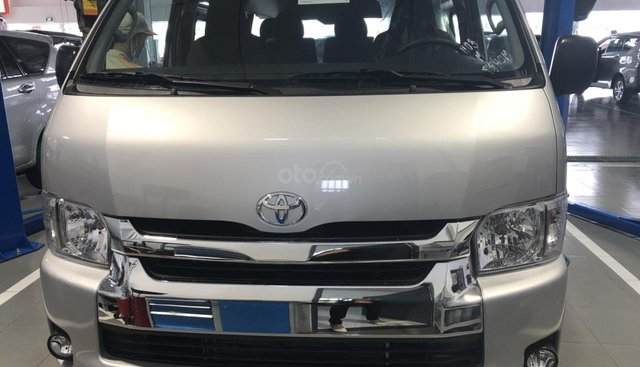 Bán Toyota Hiace 3.0L MT 15 chỗ, màu bạc, nhập khẩu nguyên chiếc - Toyota An Thành