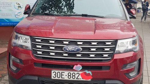 Cần bán xe Ford Explorer 2.3 AT năm sản xuất 2017, màu đỏ