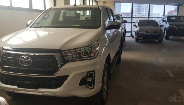 Giá xe Toyota Hilux 2.8G AT 2019, giao xe ngay, chính sách KM tốt nhất. LH ngay 0978835850