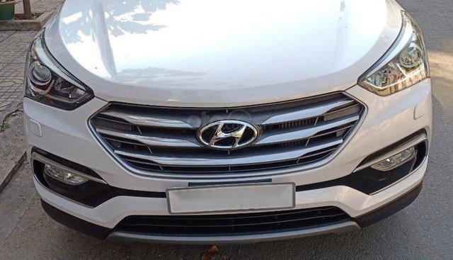 Bán ô tô Hyundai Santa Fe đời 2017, màu trắng, máy dầu full, xe nhà đi bán gấp 1 tỷ 130 triệu