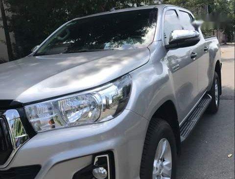 Bán Toyota Hilux 2.5E đời 2019, màu bạc, xe nhập